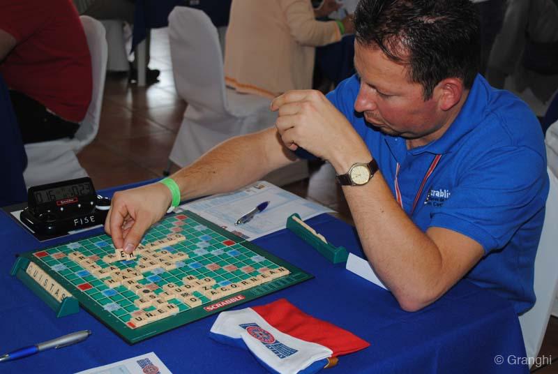 José González jugando la ronda 21 del Torneo Mundial.